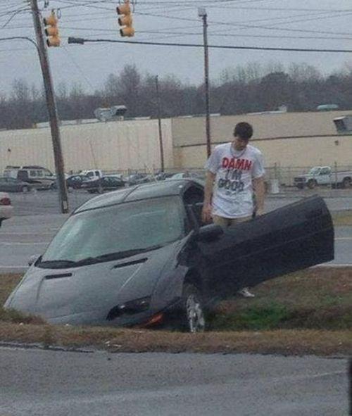 car crash driving accidents - 7916616704