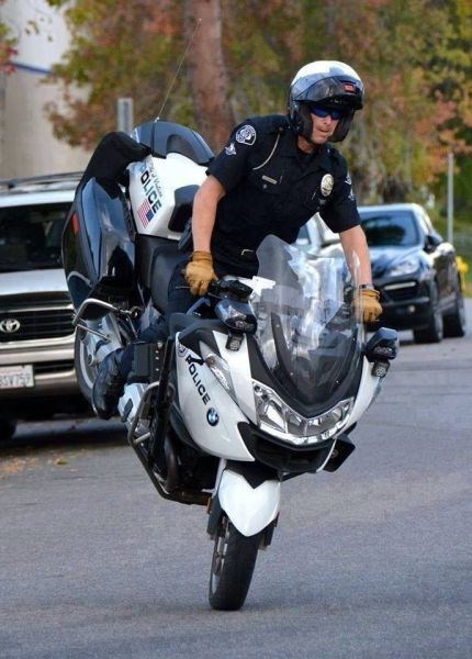 cops police motorcycles - 7921351680