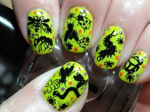 fashion,creepy crawlers,nail art,nostalgia
