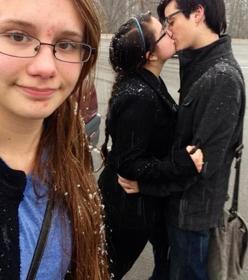 PDA photobomb third wheel - 7925668096