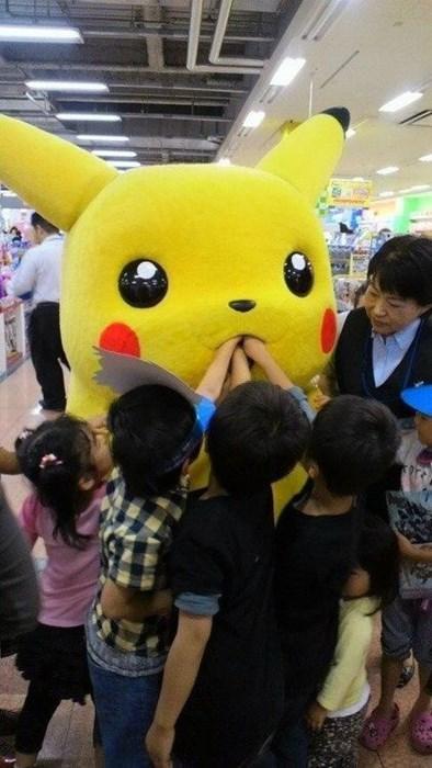 creepy,funny,pikachu