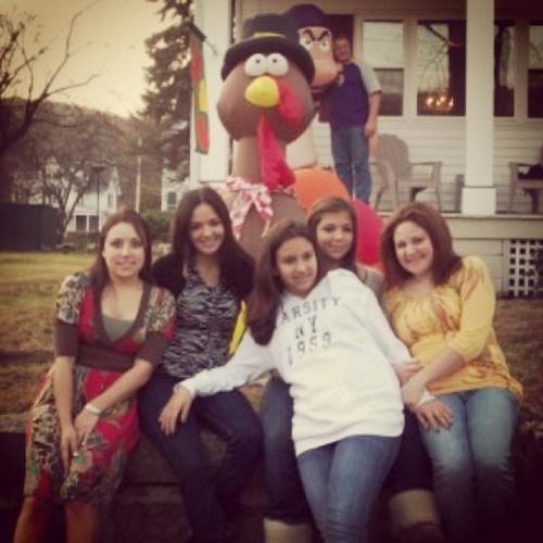 family photos photobomb thanksgiving - 7927269632