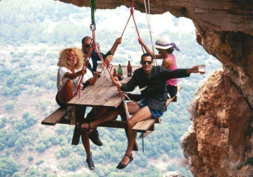 bar cliff hanging funny wtf - 7930971648