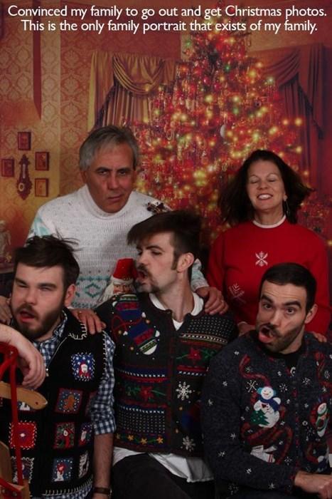 family christmas family portraits - 7937832448