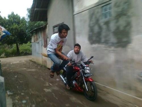 brooms motorcycles wtf - 7951890432