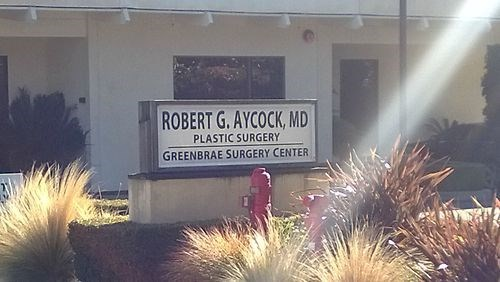 name sign surgeon - 7952289536