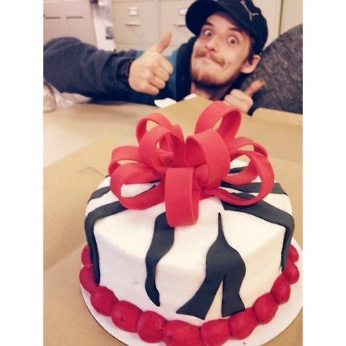 cakes thumbs up photobomb - 7953565184
