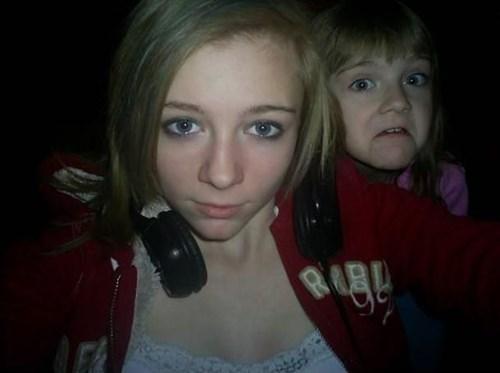 photobomb selfie