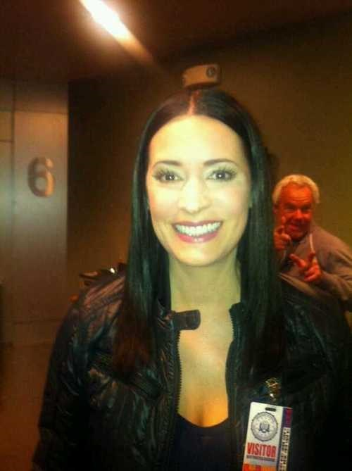 photobomb Paget Brewster - 7962222592
