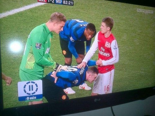 photobomb soccer perfectly timed