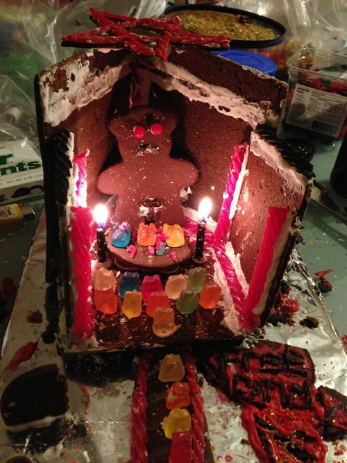 gingerbread house,christmas,creepy,fail nation