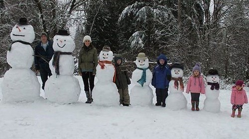 family photos kids parenting snowman - 7975347712