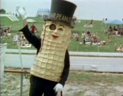 cannibalism peanuts wtf - 7975451904