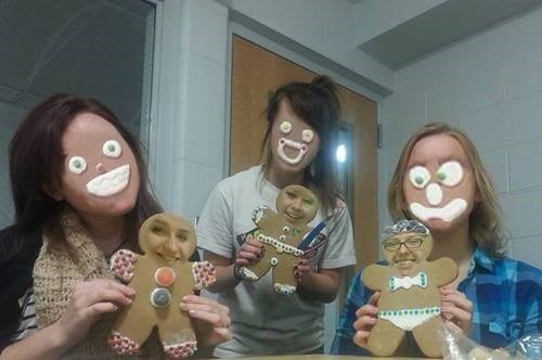 faceswap,creepy,gingerbread man