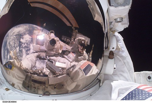 awesome astronaut funny nasa selfie olympics - 7990365696