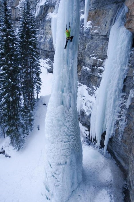 ice frozen waterfall rock climbing - 7992627968