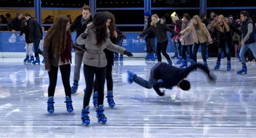 photobomb,FAIL,ice skating,fall