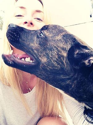 Lindsey Vonn,dogs,people pets,cute,leo
