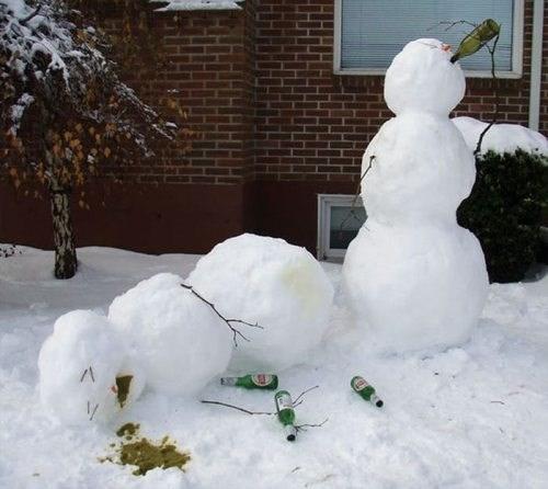 beer wtf drunk snowmen funny - 7997861120