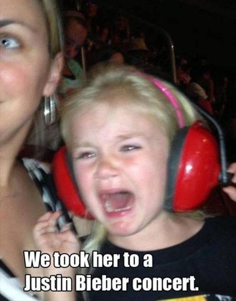 kids crying headphones justin bieber - 7999916800