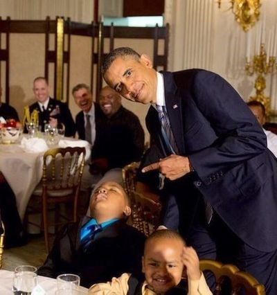 kids,napping,obama,photobomb