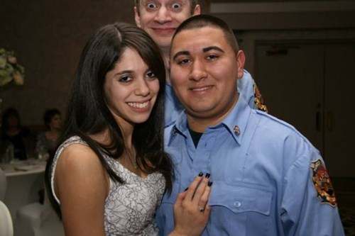 photobomb third wheel - 8009397760