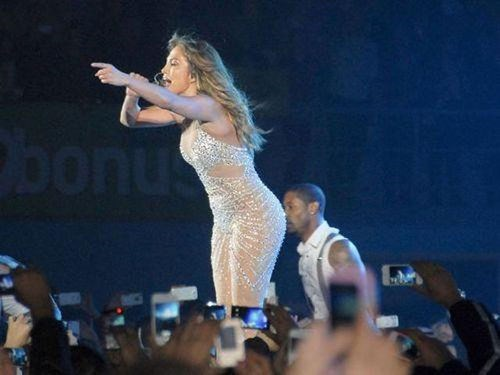 photobomb,that looks naughty,jlo