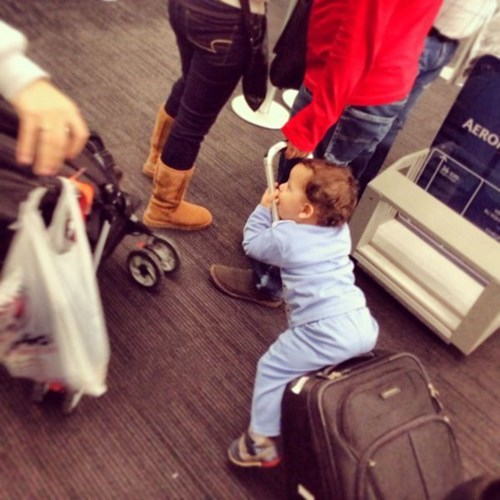 kids airports parenting luggage - 8020700928