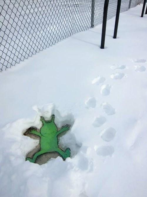 snow,graffiti,hacked irl,winter