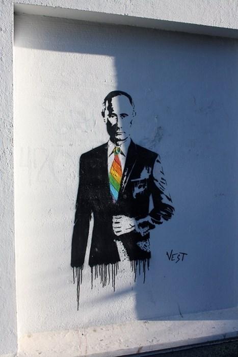 lgbtq Street Art graffiti Vladimir Putin - 8072556800