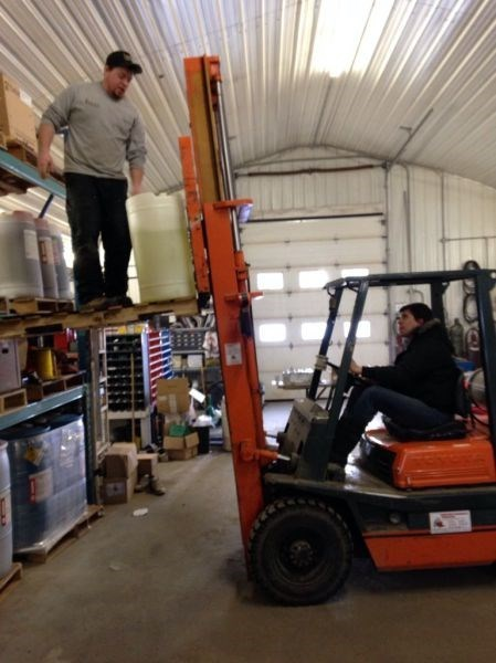 monday thru friday forklift work - 8075705344