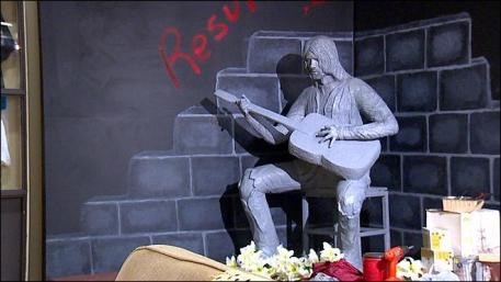Music,statue,memorial,kurt cobain