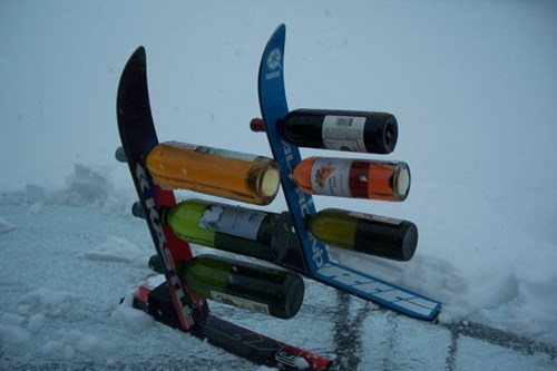 skiing,wine,winter,bottle holder,after 12,g rated