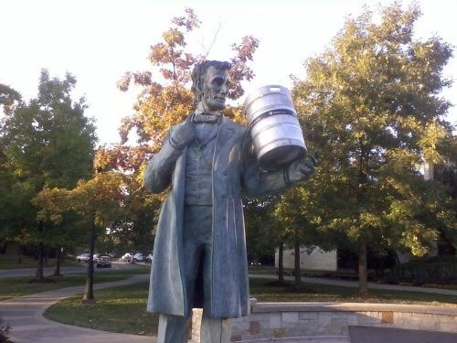 beer,abraham lincoln,funny,keg,statue