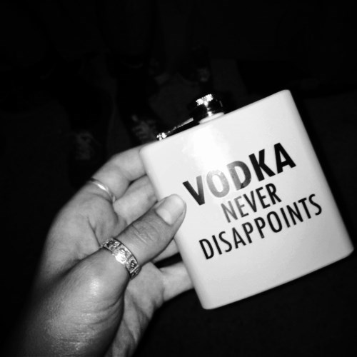 disappoint flask vodka - 8092196352