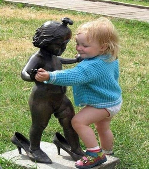 dancing kids statue cute parenting - 8102562304