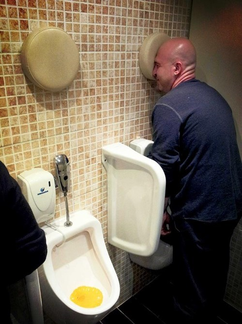 good idea,drunk,urinal,funny