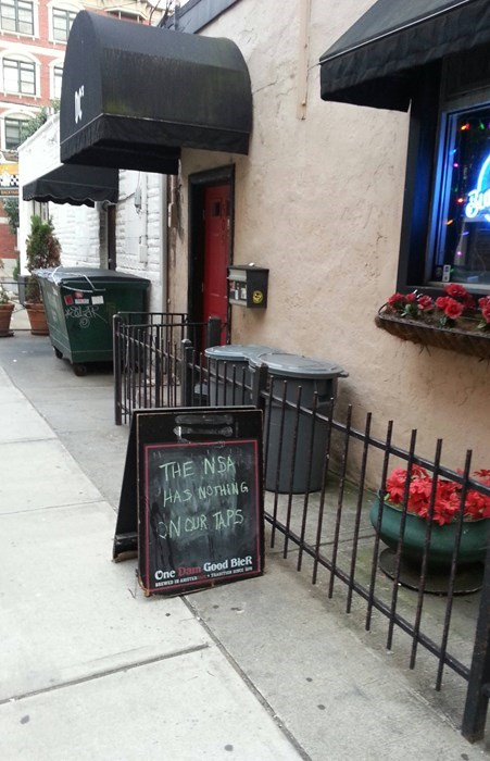Insanity Wolf funny taps pub - 8114869760