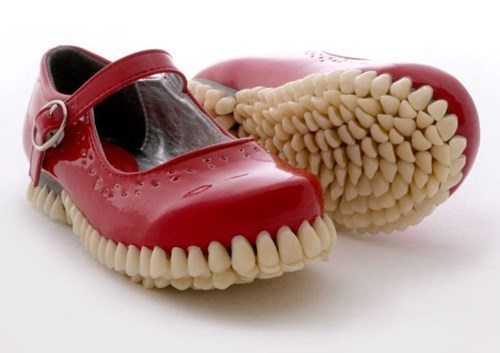 creepy,shoes,poorly dressed,teeth