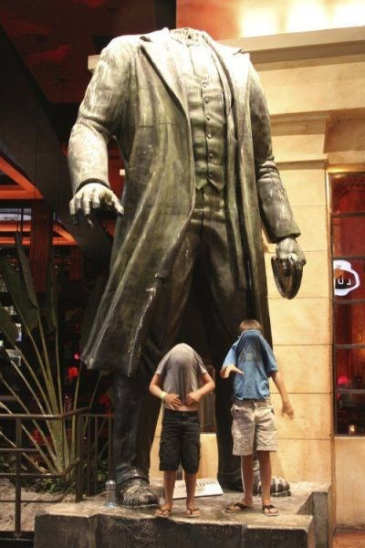 kids,statue,headless,parenting