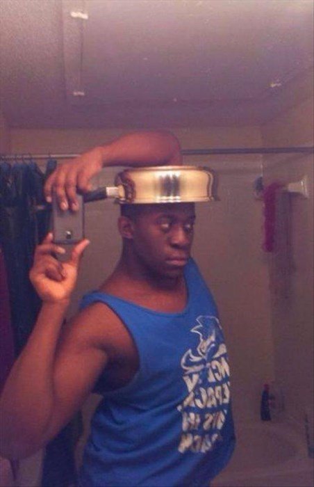 selfie mirror poorly dressed pan