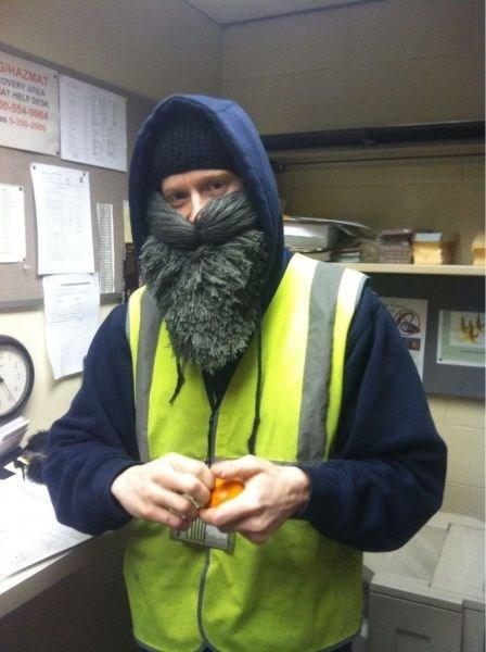 beard poorly dressed yarn g rated - 8122015744