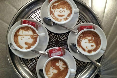 coffee charlie brown peanuts latte latte art