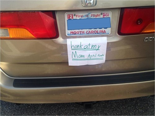 sign kids honk april fools parenting prank - 8132591616