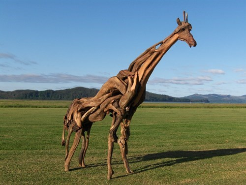 art design beach wood giraffes