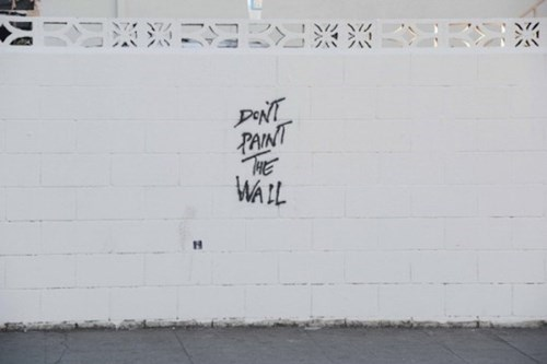 pink floyd graffiti hacked irl the wall - 8139603200