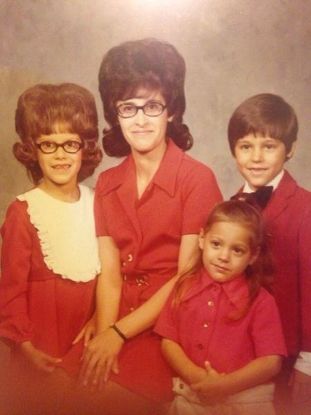 family photo,hairdo,hair,retro,poorly dressed