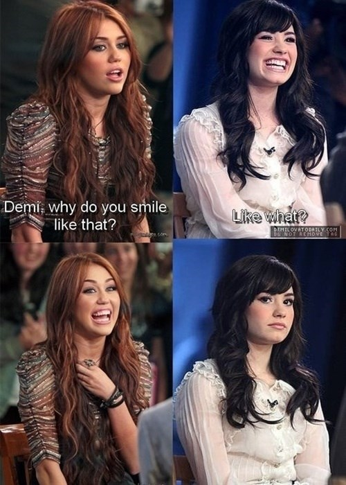 demi lovato miley cyrus smile - 8158728448