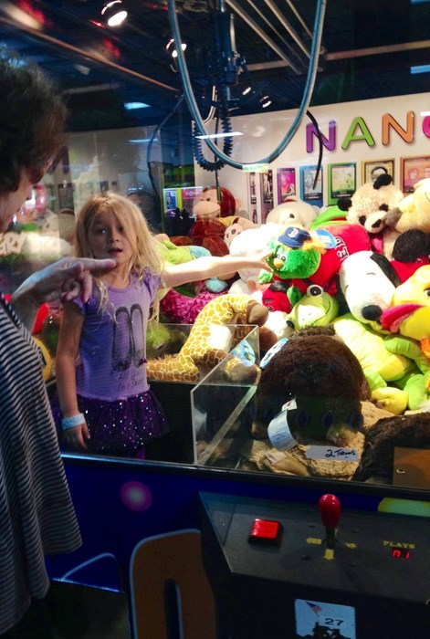 claw machine Kickass Kids grab machine