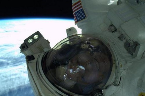 awesome astronaut funny science selfie - 8163444736